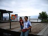 20060728北海道:105媽去泡溫泉,是對日本夫婦幫我和爸爸拍照.jpg