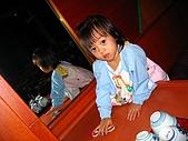 20060728北海道:019層雲峽飯店的餐廳,我喜歡坐桌子喔.jpg