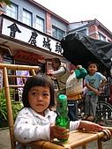 20070408六溪電影:爸媽喝汽水,彈珠給我玩