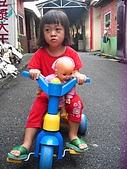 20070805放暑假:可是她不想借車給我騎
