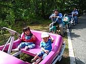 20060728北海道:117各式各樣的自行車,好累,休息一下.jpg