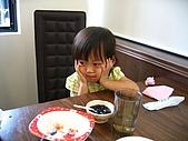 20060819鄉景莊園:吃飽了,吃點心嗎