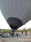 2009 熱氣球@Cappadocia (土耳其):加熱完成的熱氣球直立過程(承載藤籃還躺在地上)