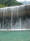 翡翠谷:水濂瀑布游泳