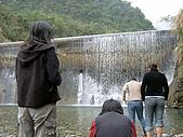 翡翠谷:水濂瀑布戲水