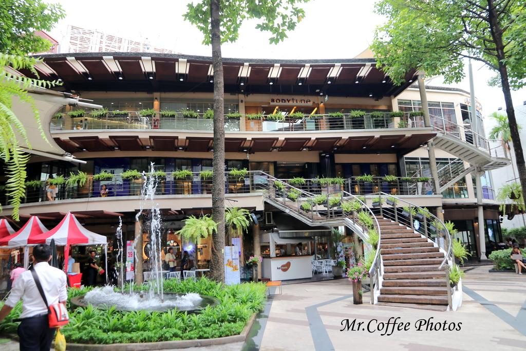 IMG_5672.JPG - D21曼谷 4住宅區喝咖啡,按摩 Some time blue cafe