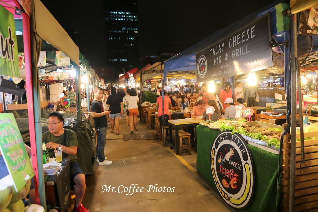 IMG_5749.JPG - D21曼谷 5天使劇場,火車市集喝咖啡