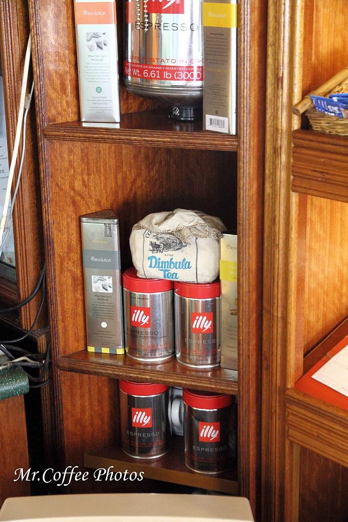 IMG_1788.jpg - 03.17-5.De Royalle Cafe