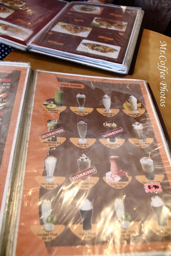IMG_1782.jpg - 03.17-5.De Royalle Cafe