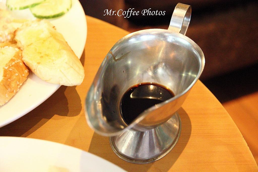 IMG_1798.jpg - 03.17-5.De Royalle Cafe