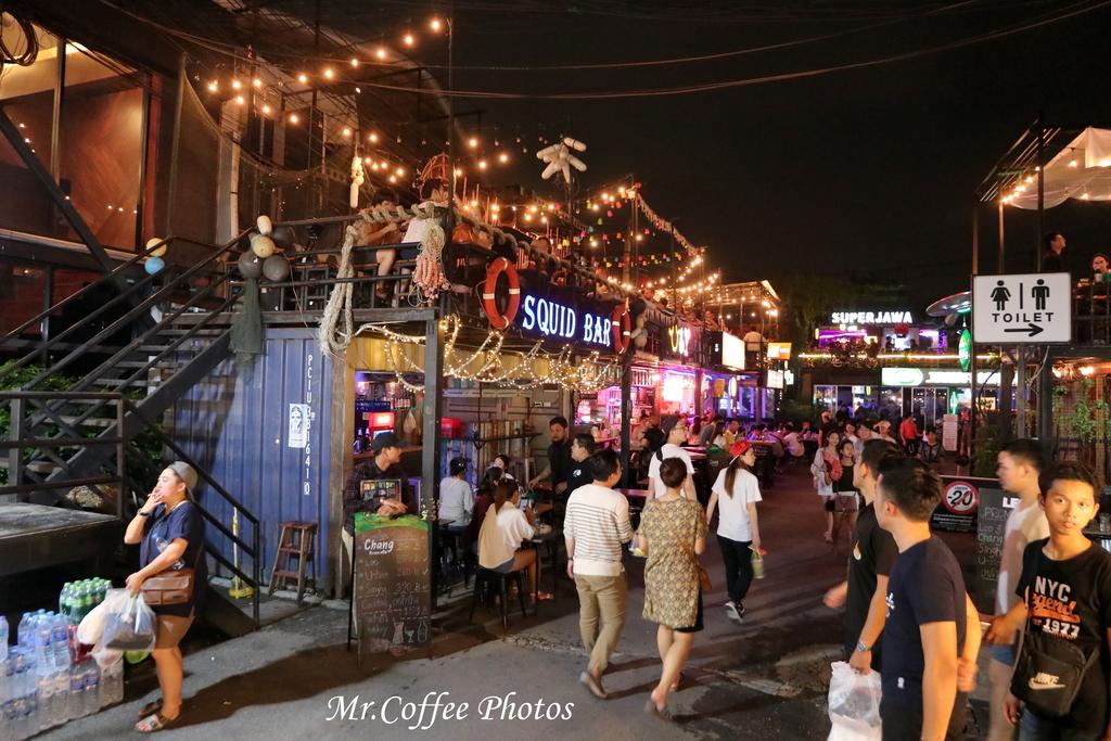 IMG_5770.JPG - D21曼谷 5天使劇場,火車市集喝咖啡