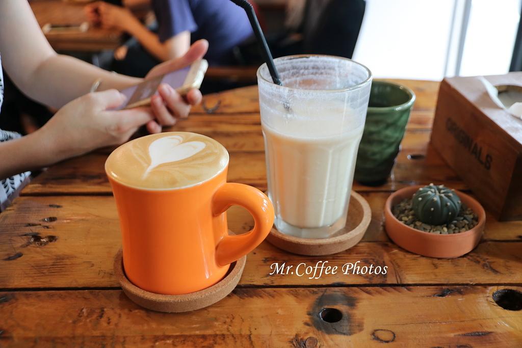 IMG_3187.JPG - D1-02 東港。莫咖啡