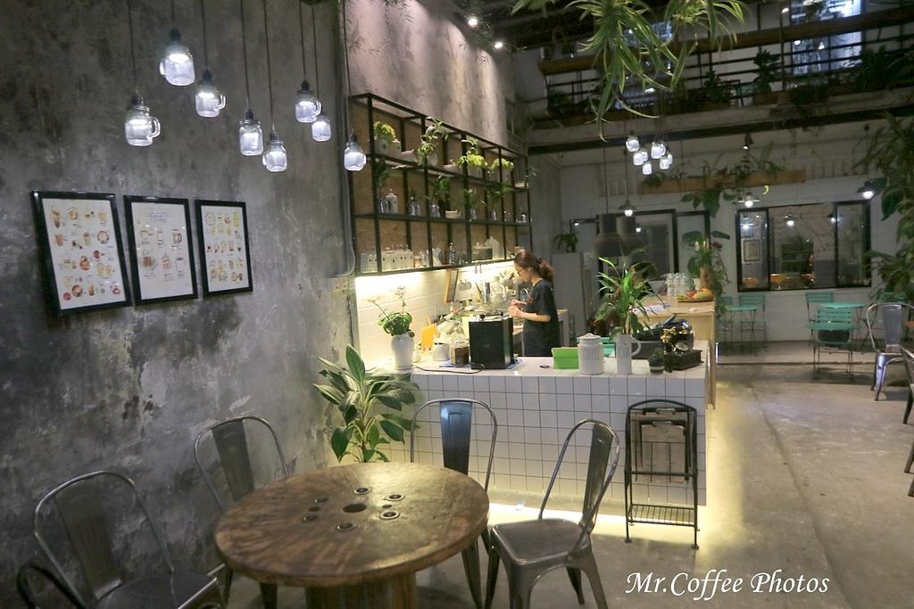 IMG_9035.JPG - D6峴港 6路過貓咖啡 Studio 13 Cafe
