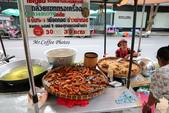 D22曼谷 3烤香蕉,巴士站喝咖啡,公車很爛,地鐵很貴,難怪塞車:IMG_5856.JPG