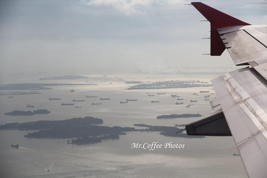 IMG_2714.JPG - 03.20-2.飛往新加坡,海上油輪