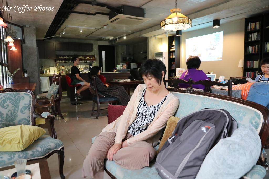 IMG_5645.JPG - D21曼谷 4住宅區喝咖啡,按摩 Some time blue cafe