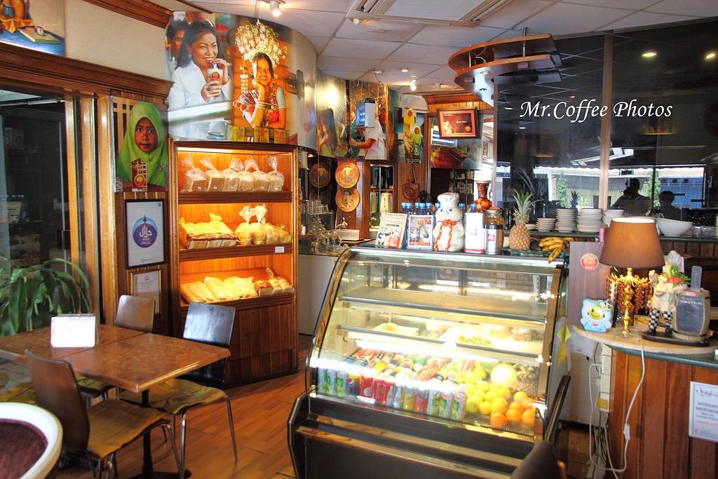 IMG_1777.jpg - 03.17-5.De Royalle Cafe