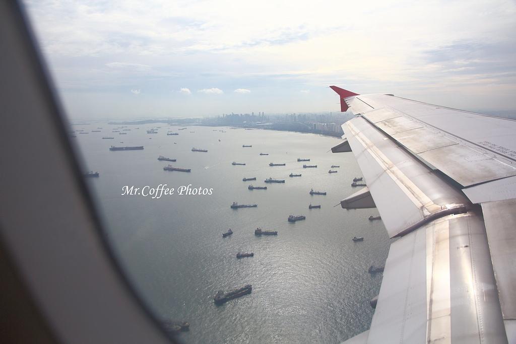 IMG_2722.JPG - 03.20-2.飛往新加坡,海上油輪