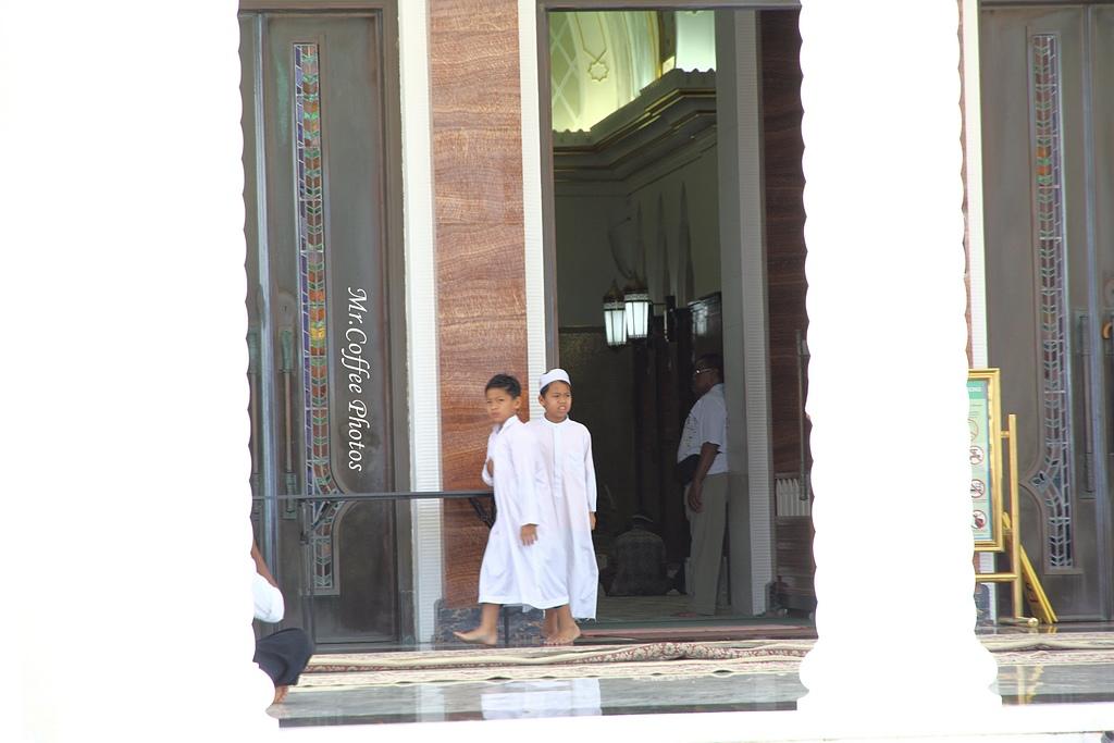 IMG_1623.JPG - 03.17-3.國家清真寺 Omar Ali Saifuddien Mosque