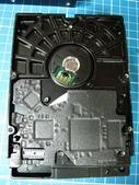 硬碟的電源接腳斷了.....裏頭還有資料:4.jpg