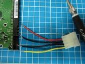 硬碟的電源接腳斷了.....裏頭還有資料:13.jpg