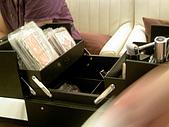 2008-09-Dior護膚保養和彩妝發表:一個桌子一個彩妝箱
