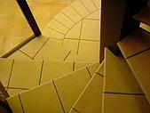 一順磁磚- 2室內地:NTC凱麗樓梯-2.JPG