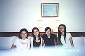 2004.6.28~7.2文藻畢旅:在飯店合照2