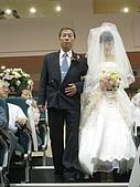 2009.4.5@書婷婚禮:美麗的新娘挽著老爸的手走下階梯