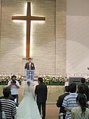 2009.4.5@書婷婚禮:算了算...新人在十字架前罰站應該將近快兩小時,超辛苦orz