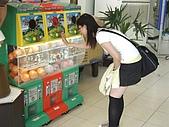 2005.10.8【外拍】思念:Me@高雄火車站遊戲機前