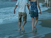 ◤情人:沙灘的一對情侶