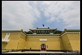 台北市士林區故宮博物院旁的『至善園』遊客稀少時常見藍鵲來戲水:故宮至善園09.jpg